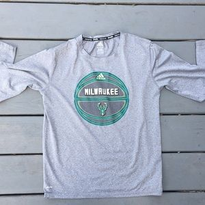 Adidas Milwaukee Bucks tee shirt